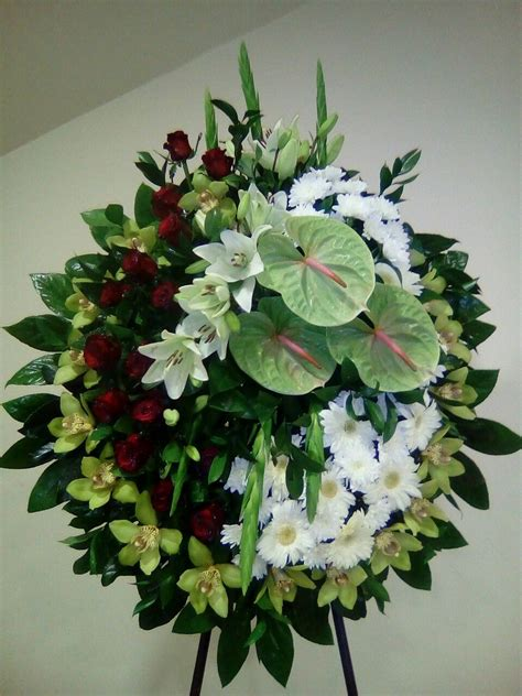 Pin by Ines Rojas on Flowers   Funeral flower arrangements ...