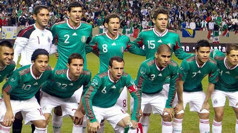 Pin by Socorro Brennan on My fav soccer stars! | Mexican ...