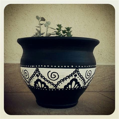 Pin by Sudha Satya on Diy | Painted plant pots, Painted ...