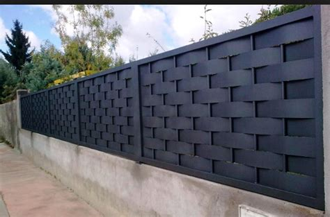 Pin by Thakurdas on boundary in 2019 | Wood fence design ...