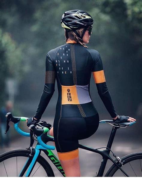 Pin de Carolina Castillo en _Bikers 08 en 2020 | Trajes de ...