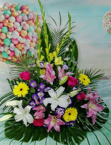 Pin de La Tienda de las Flores en Centros de flores y ...