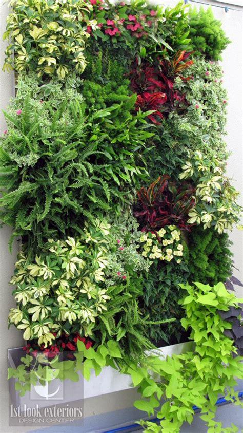 Pin de Lynn Rheaume em Eco Green   Jardim vertical diy ...