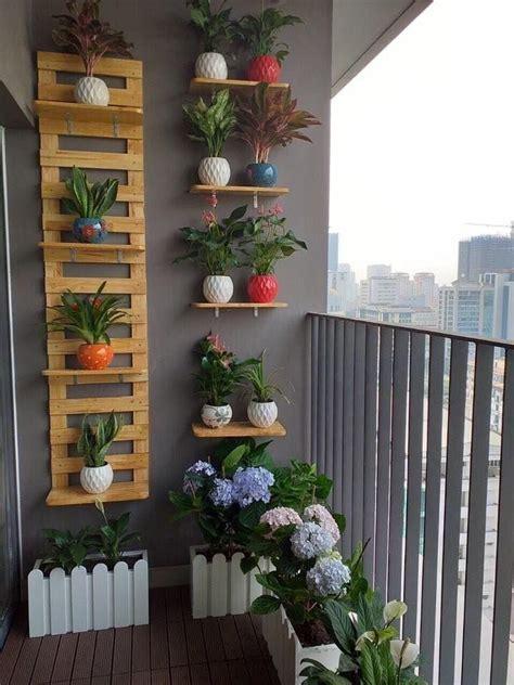 Pin de Pilar en Varanda com plantas | Decoracion plantas ...