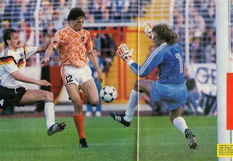 Pin en 1988 Euro Championship