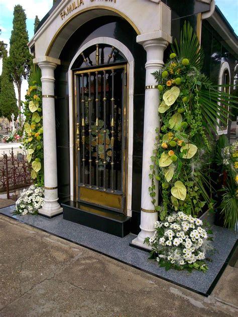 Pin en centros de flores para el Día de Todos los Santos
