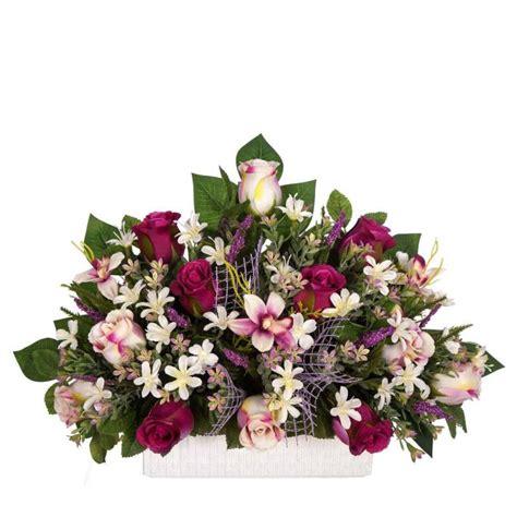 Pin en Jardineras cementerio flores artificiales y centros ...