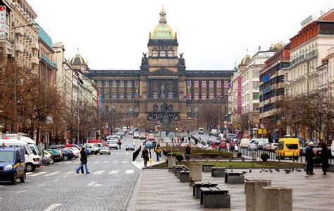 Pinceladas: PRAGA – CHECA. 3ª parte.