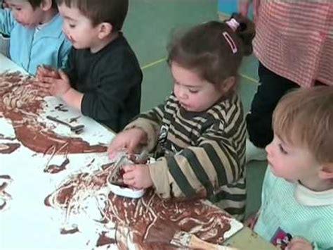 pintando con chocolate niños y niñas de 2 a 3 años   YouTube