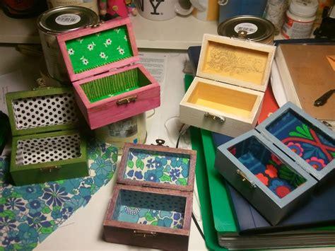 Pintar cajas de madera – Transportes de paneles de madera