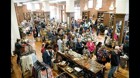 Pioneer Woman Mercantile is a huge draw for tiny Oklahoma ...