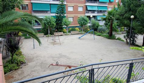 Piso en venta con terraza a nivel en Sant Boi, Barcelona ...