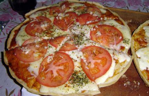 Pizza napolitana con anchoas