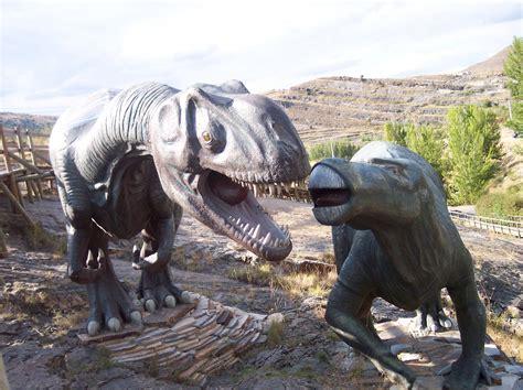 Planes con niños: Dinosaurios en Enciso, La Rioja