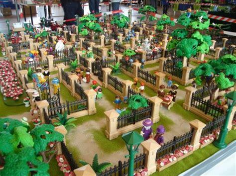 Play Brand: Legoland & Playmobil Fun Park