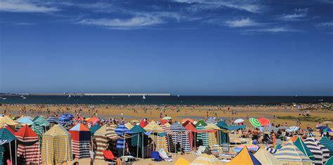 Playa de San Lorenzo   Gijón | Callejeando por el mundo