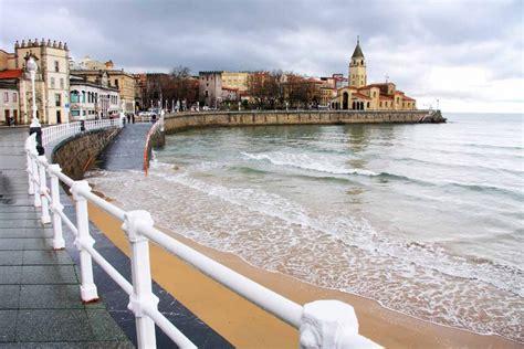 Playa de San Lorenzo  Gijón    Qué ver en Asturias