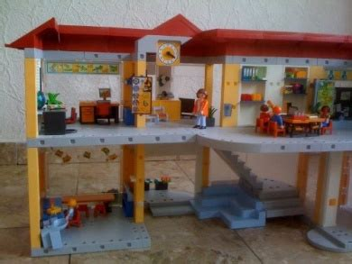 Playmobil 4324 Furnished School Building by Playmobil ...