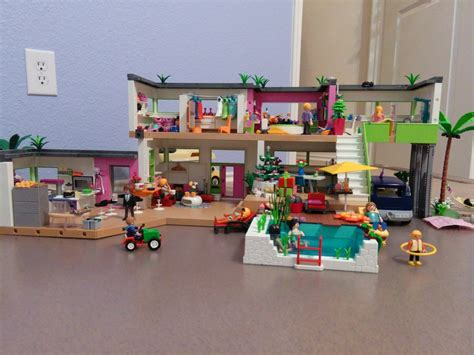 Playmobil another review.. the modern luxury mansion ...