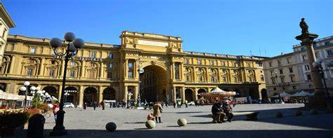 Plaza de la República  Piazza della Repubblica  en Florencia