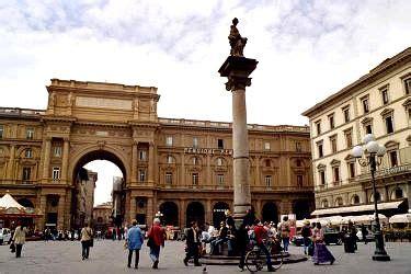 Plaza República Florencia, Plaza de la República y sus ...