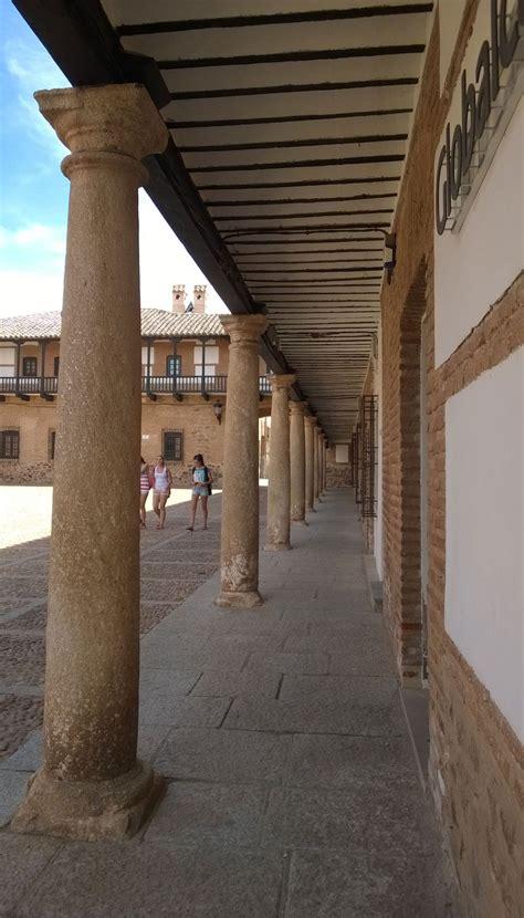 Plaza San Carlos del Valle: Atrio | Spain | San carlos ...