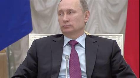 POKEMON GO Shock ! Dmitry Medvedev plays POKEMON GO under ...