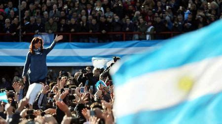 Poll shows Fernandez bloc tied in Argentina congressional ...