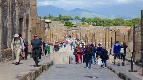 Pompei Vacation Packages: Book Cheap Vacations & Trips ...