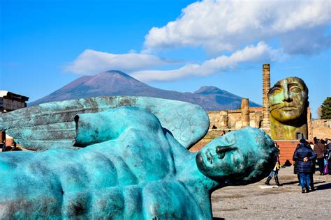 Pompeii and Herculaneum: In The Shadow of Mt. Vesuvius