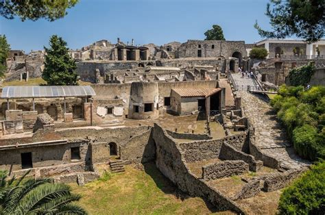 Pompeii and Mt. Vesuvius day trip by boat from Sorrento