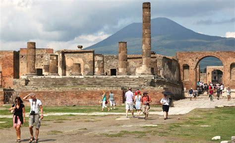 Pompeii facts – fun facts about Mount Vesuvius volcano
