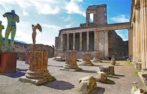 Pompeii: History and Reconstruction of the Ancient Italian ...