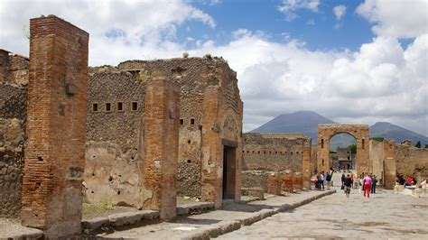 Pompeii Holidays: Cheap Pompeii Holiday Packages & Deals ...