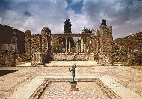Pompeya: la vida bajo un manto de cenizas