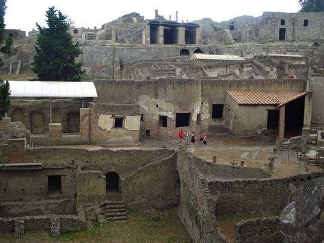 Pompeya, una ciudad sepultada por el Vesubio ...