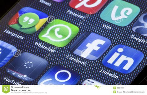 Popular Social Media Icons Facebook Whatsapp And Other On ...