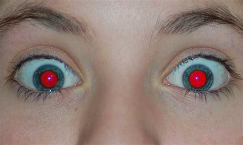 ¿Por qué nos salen los ojos rojos en algunas fotografías ...