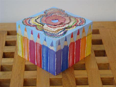 Por si te ayuda: Decorar una caja de madera con virutas de ...