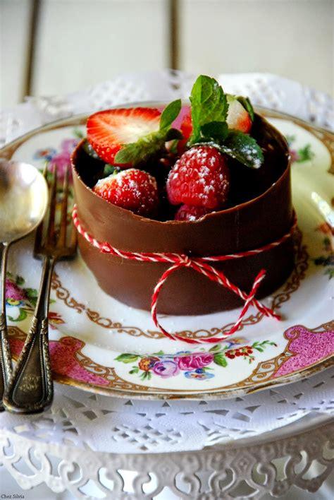 Postre de chocolate con crema de limón y chocolate blanco ...