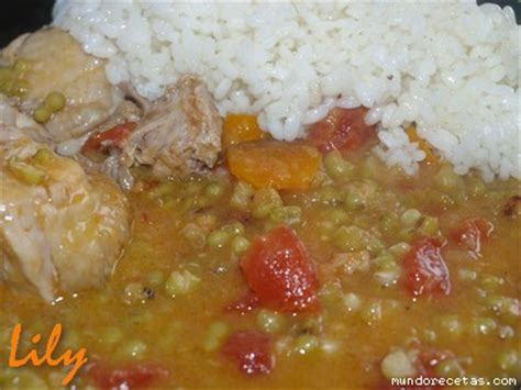 Potaje de Soja Verde con Pollo y Arroz
