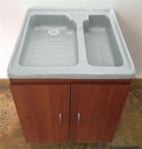 Practico Lavadero Plastico Doble Poceta Mueble Con Puertas ...