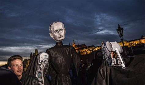 Praga recuerda su Revolución de Terciopelo   Opinión ...