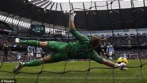 Premier League goalkeepers: How each one makes their saves ...