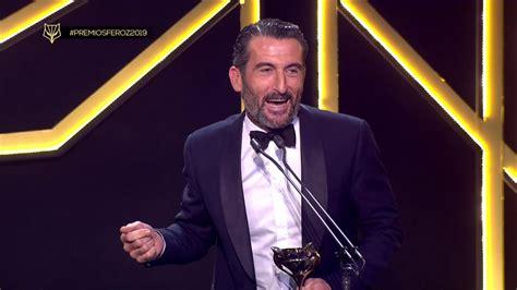 PREMIOS FEROZ 2019: Luis Zahera recoge el premio al mejor ...