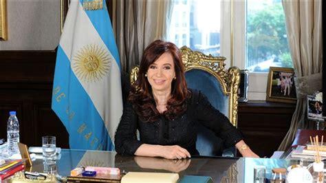 Presidenta argentina enfrenta a caranchos tras vencer ...