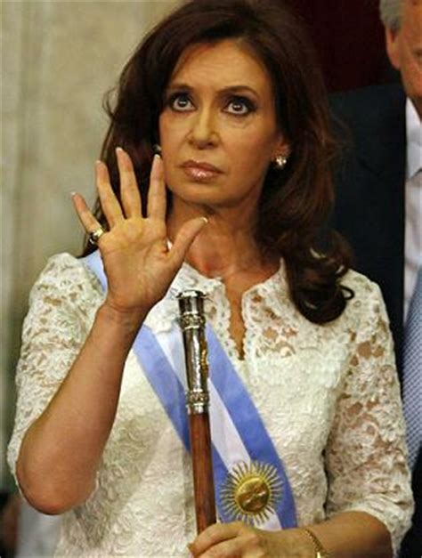 Presidenta De Argentina Admite Apesadumbrada Que Lee El Ñame