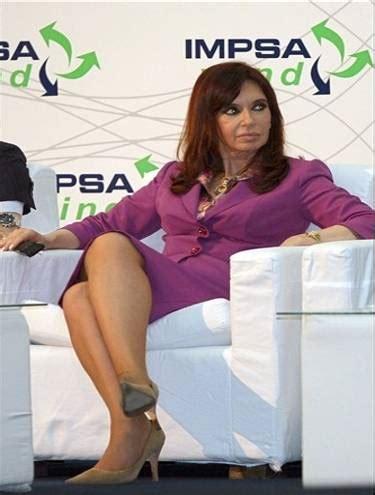 Presidente argentina Cristina Kirchner é muito gostosa ...