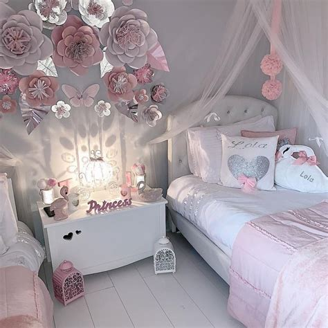 Pretty grey and pink girls bedroom with beautiful paper ...