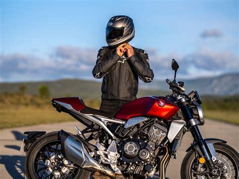 Principales características de la renovada Honda CB1000R 2021
